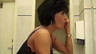 Gangbang my wife in the bathroom de the restaurant with customers and waiters