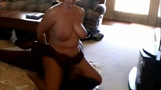 Mature wife rides her black face, boyfriend039_s