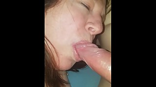 Woman sucks the cock of a friend when i'm fucked